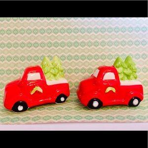 Ceramic Red Pickup Trucks Xmas Trees Salt Shakers